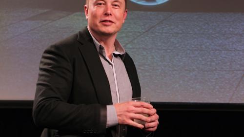 Elon Musk acuză un angajat Tesla de sabotaj