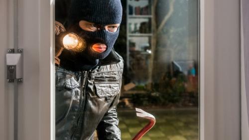 Prietenii virtuali pot fi hoți profesioniști