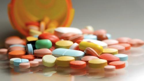 Avocatul Poporului cere lămuriri MS privind absenţa de pe piaţă a unor medicamente în tratamentul cancerului