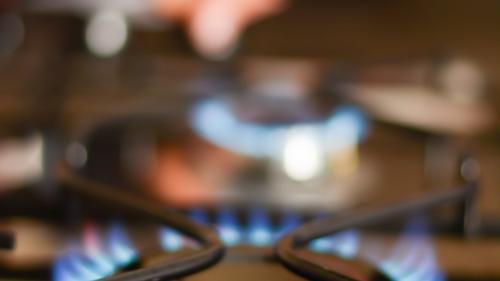 Circa 3,2 milioane de gospodări vor avea acces la gaze naturale