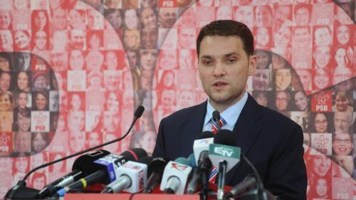 Dan Şova a ajuns la sediul IPJ Ilfov, după ce s-a predat poliţiştilor