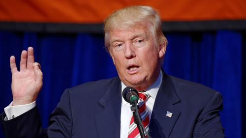 Donald Trump anunţă că va semna un text pentru a se evita separarea membrilor familiilor de migranţi