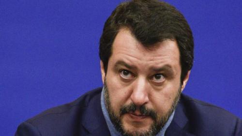Salvini: Spania ar trebui să primească următoarele patru nave cu migranţi