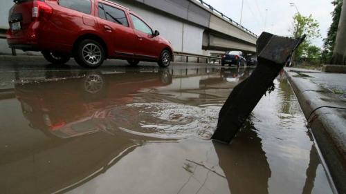 Galerie Foto - Cartierul Văcărești, paralizat de inundații
