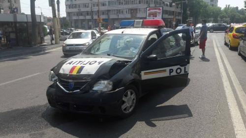 O autospecială a poliției, implicată într-un accident rutier care a avut loc în Constanța