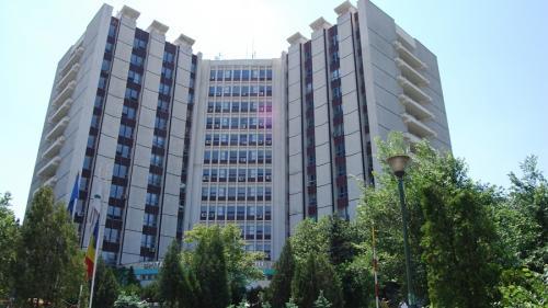 Percheziții la 3 spitale din Capitală