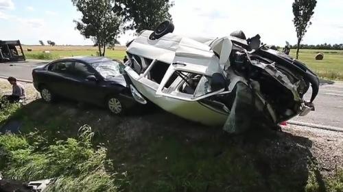 Accident teribil în Ungaria. Două vehicule din România au fost implicate. Zece persoane au fost rănite