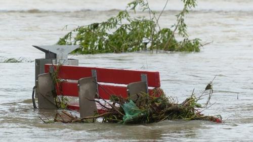 Cod portocaliu de inundaţii pe râuri din 13 judeţe!