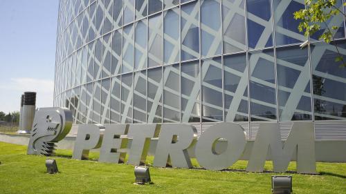 Primele 100 de mari firme fac un sfert din afacerile din România