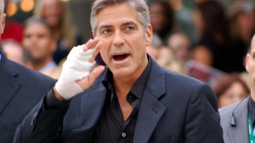 VIDEO - Accidentul în care a fost implicat George Clooney, surprins de o cameră de supraveghere