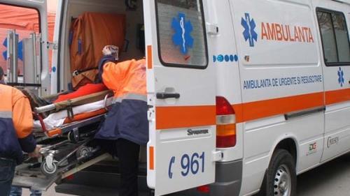 Accident teribil pe DN 17 ! Patru persoane au fost transportate de urgenţă  la spital