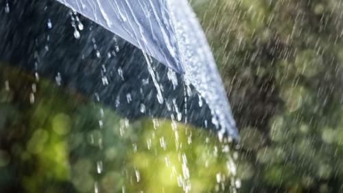ANM: Ploile continuă în următoarele două săptămâni, dar temperaturile vor fi ridicate