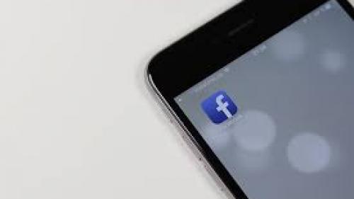 Facebook vrea să monitorizez programele la care te uiţi prin intermediul microfonului de la telefon