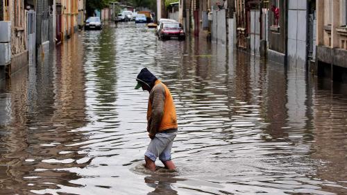 Mai multe localităţi din Braşov afectate de inundaţii cer Guvernului peste 10 milioane lei pentru refacerea infrastructurii