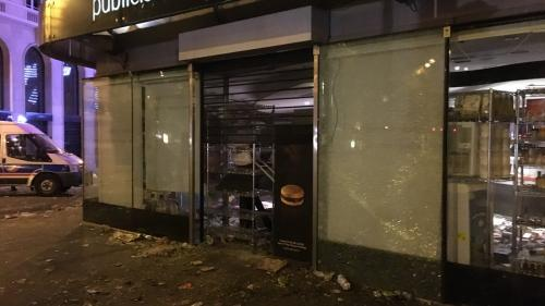 VIDEO - Parisul, sub asaltul huliganilor după câștigarea Campionatului Mondial
