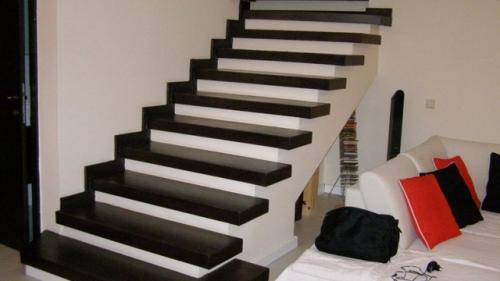 Recomandări de la specialiști: cum alegi scări interioare din lemn
