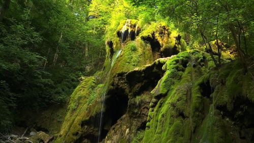 Cea mai frumoasă cascadă, un paradis interzis turiştilor