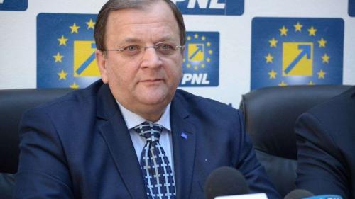 Flutur: Trebuie urgent o întâlnire a întregului PNL, armonizare în interiorul partidului şi coagularea dreptei