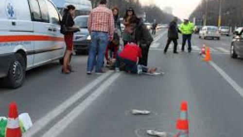 Minoră rănită pe trecerea de pietoni de un autoturism condus de un tânăr