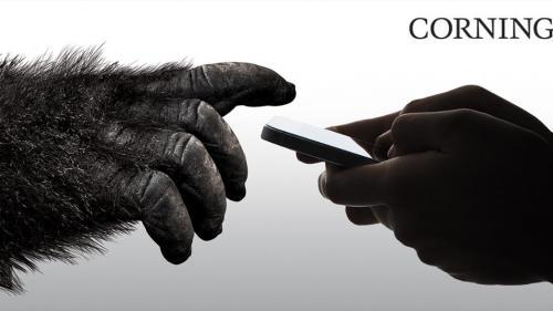 VIDEO Gorila Glass 6 face telefonul mobil mai rezistent!