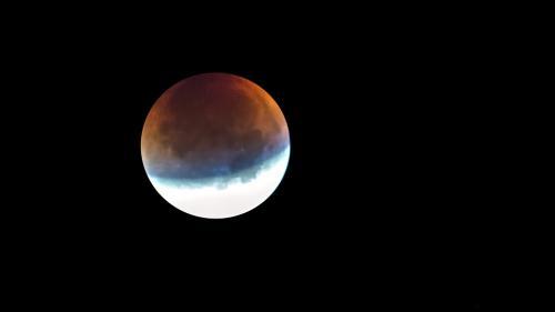 Eclipsa de Lună cu cea mai lungă durată din secolul XXI va avea loc la 27 iulie