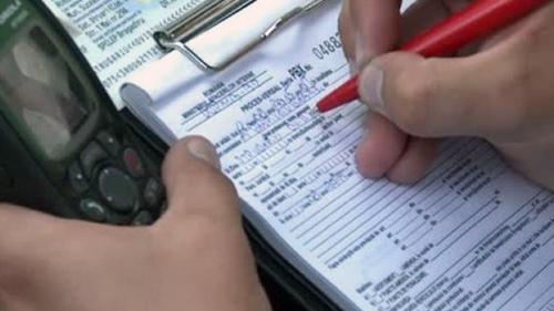 Iohannis a promulgat legea care prelungeste termenul de plată al amenzilor