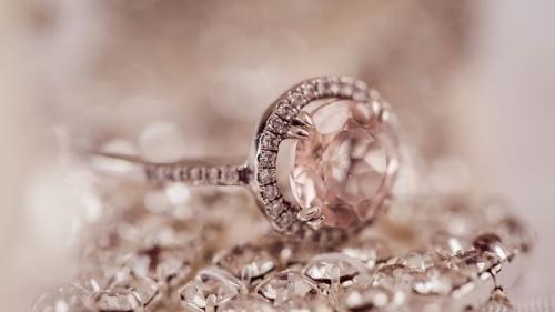 Tonele de diamante de sub picioarele noastre!