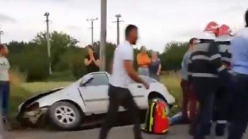 TRAGEDIE LIVE pe Facebook. Doi adolescenţi de 14 şi 18 ani au murit pe loc într-un accident din Vrancea