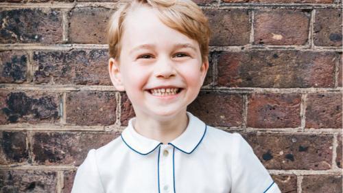 Printul George a împlinit 5 ani. Palatul Kensington publică cea mai recentă fotografie