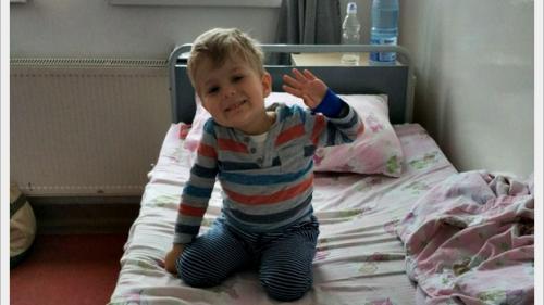 Transplantul de ficat i-ar da o șansă! La doar 3 ani, Bogdan are hepatoblastom (cancer la ficat)