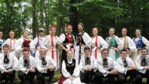 """Sute de """"nuntaşi"""" din 15 ţări, invitaţi la festivalul internaţional de folclor """"Nunta Zamfirei"""""""