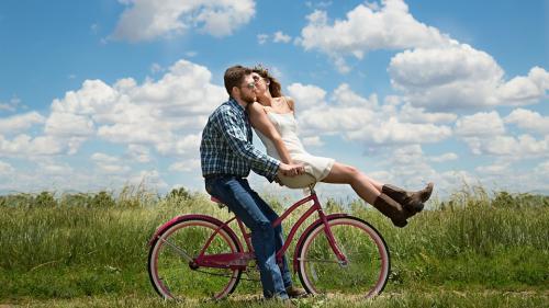 10 întrebări la care fiecare cuplu ar trebui să răspundă