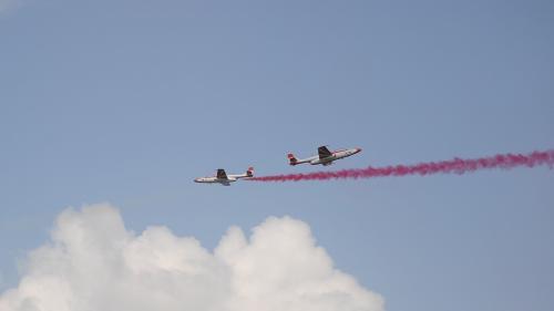 GALERIE FOTO.  BIAS 2018: Spectacol de forţă aeriană cu 150 de aeronave şi peste 100 de piloţi şi paraşutişti din 13 ţări