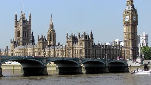 Parlamentarii britanici, suparati pe companiile tech, precum Facebook