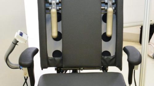 Scaunul medical care-ți vindecă spatele în timp ce lucrezi la birou