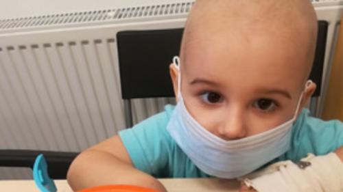 """Leucemie! """"Îmi dau lacrimile doar când rostesc acest cuvânt!"""" Cosmin-Andrei are 2 ani și 10 luni"""