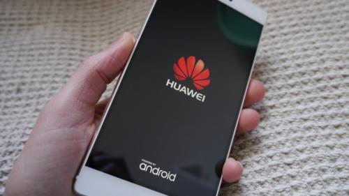 Huawei a detronat Apple. Samsung se menţine pe prima poziţie în top