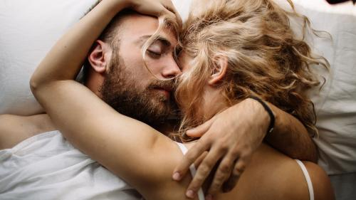 Despre SEX, fără tabuuri - un medic dărâmă cele mai înrădăcinate mituri