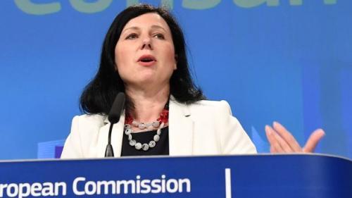 Comisarul Vera Jourova cere guvernului României să reconsidere legislaţia privind sistemul judiciar