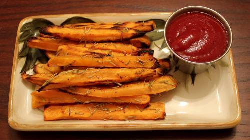 REȚETA ZILEI: Cartofi dulci la cuptor
