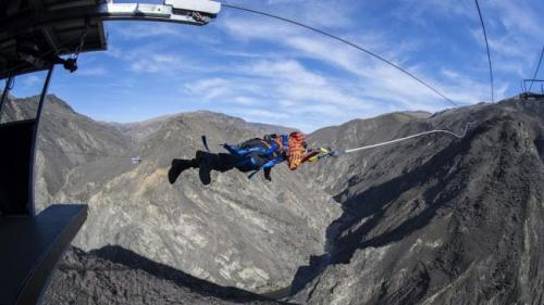 VIDEO - Practicanții sporturilor extreme au parte de o nouă distracție