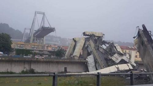 Pod prăbuşit la Genova: Compania Autostrade anchetata în Italia şi Franţa