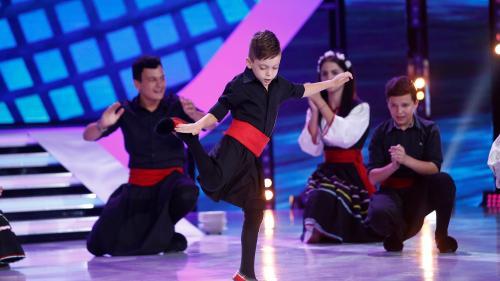 """Trucuri și dans grecesc, roast, acrodance și gimnastică ritmică, pe scena de la """"Next Star"""""""