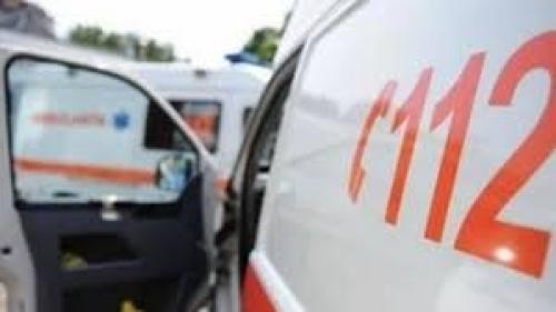 Un mort şi trei răniţi în urma unui accident produs pe DN 13A