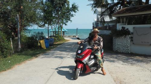 """Radu Vâlcan, despre cum își petrece puținul timp liber în Thailanda,  la filmările pentru """"Temptation Island - Insula Iubirii"""""""
