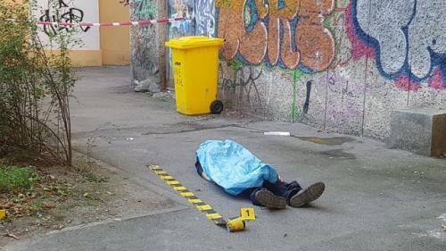 Cadavrul unui bărbat, găsit în mijlocul unui trotuar din Timișoara