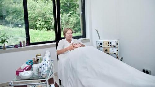 Tratamente de întinerire, Ana Aslan, la Băile Felix