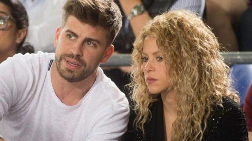 Shakira şi Pique pun capăt zvonurilor de separare printr-o cină romantică la restaurant