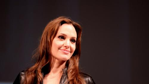 "Angelina Jolie va fi protagonista thrillerului ""The Kept"""