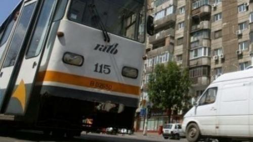 Circulaţia tramvaiului 41, blocată pe sensul către Ghencea, din cauza unui accident